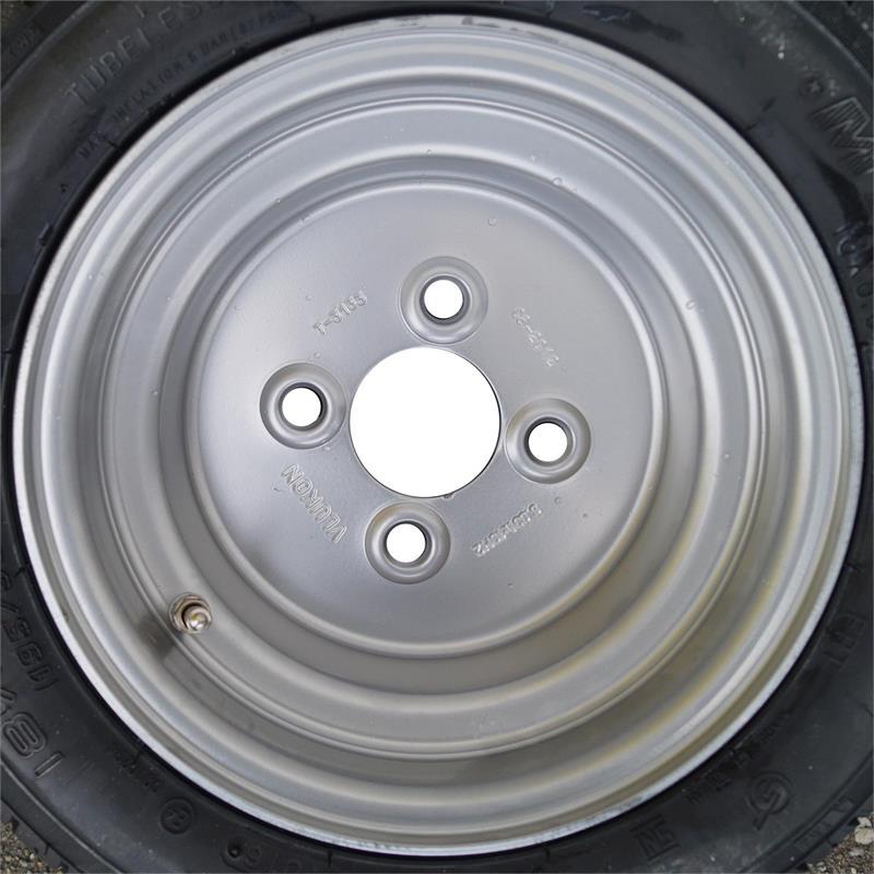 RAD 195//50B10 98N Trailer Komplettrad 4-Loch Felge Reifen für Trailer 140 km//h